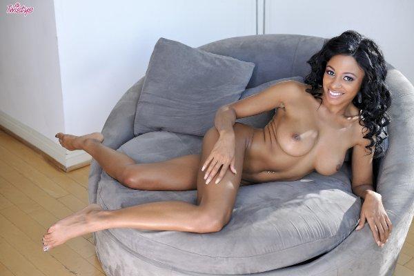 Anya Ivy 2
